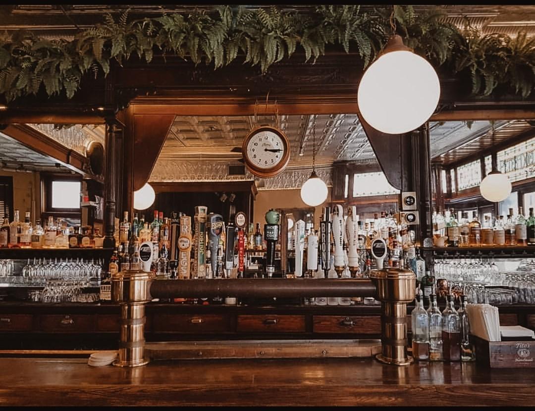 Nikmati Suasana New York di Bar Teddy's
