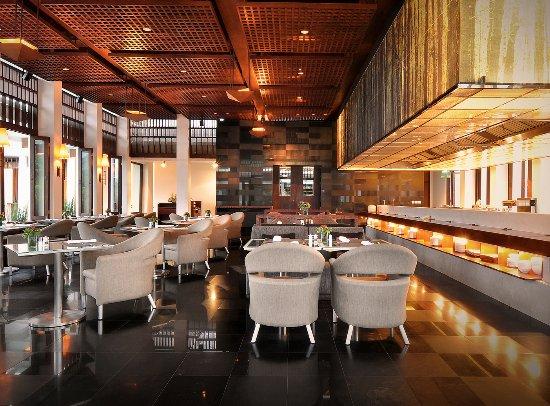 Review Hotel dan Restoran Padma Bandung