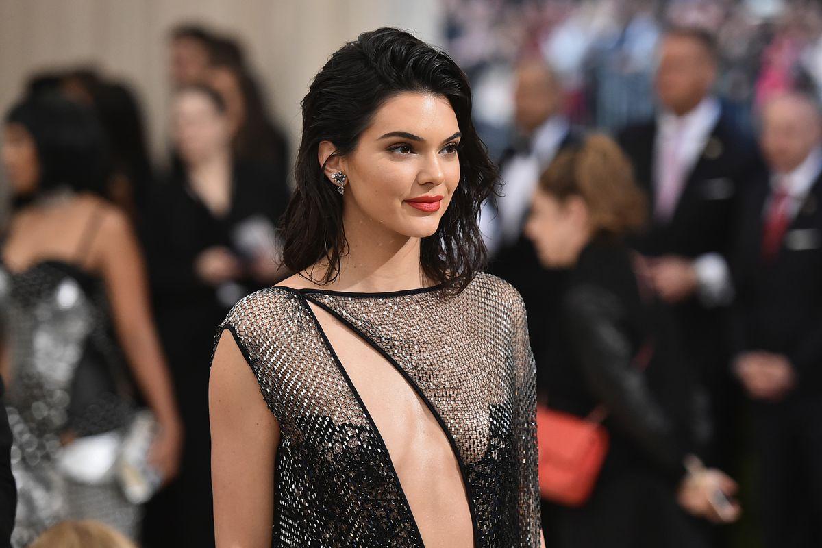 Diisukan Lesbian, Kendall Jenner Akhirnya Buka Suara
