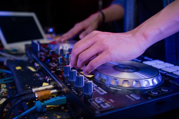 Kisah DJ Van yang Menjadi DJ Karena Patah Hati