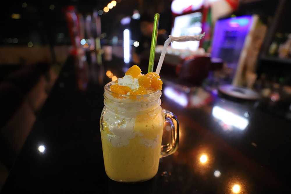 D'Roof Cafe & Bistro : Enjoying Beauty Views of North Jakarta