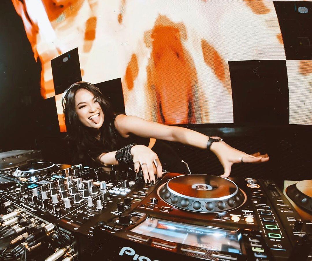 Nathalie Adelia, Mantan Model yang Berubah Menjadi DJ Sexy