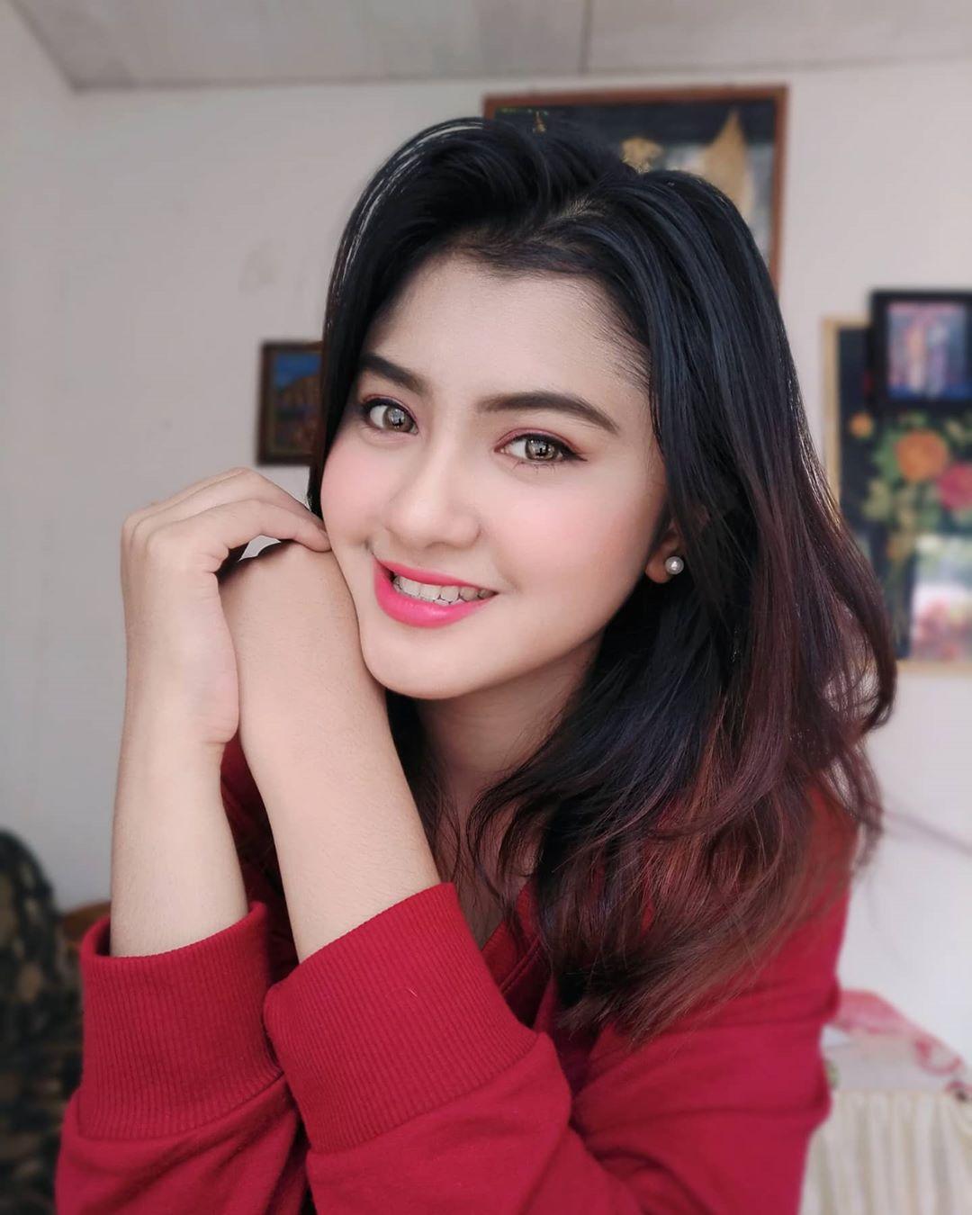 Sejenak Bersama Nadine Ramadhanty, Gadis Cantik dan Imut