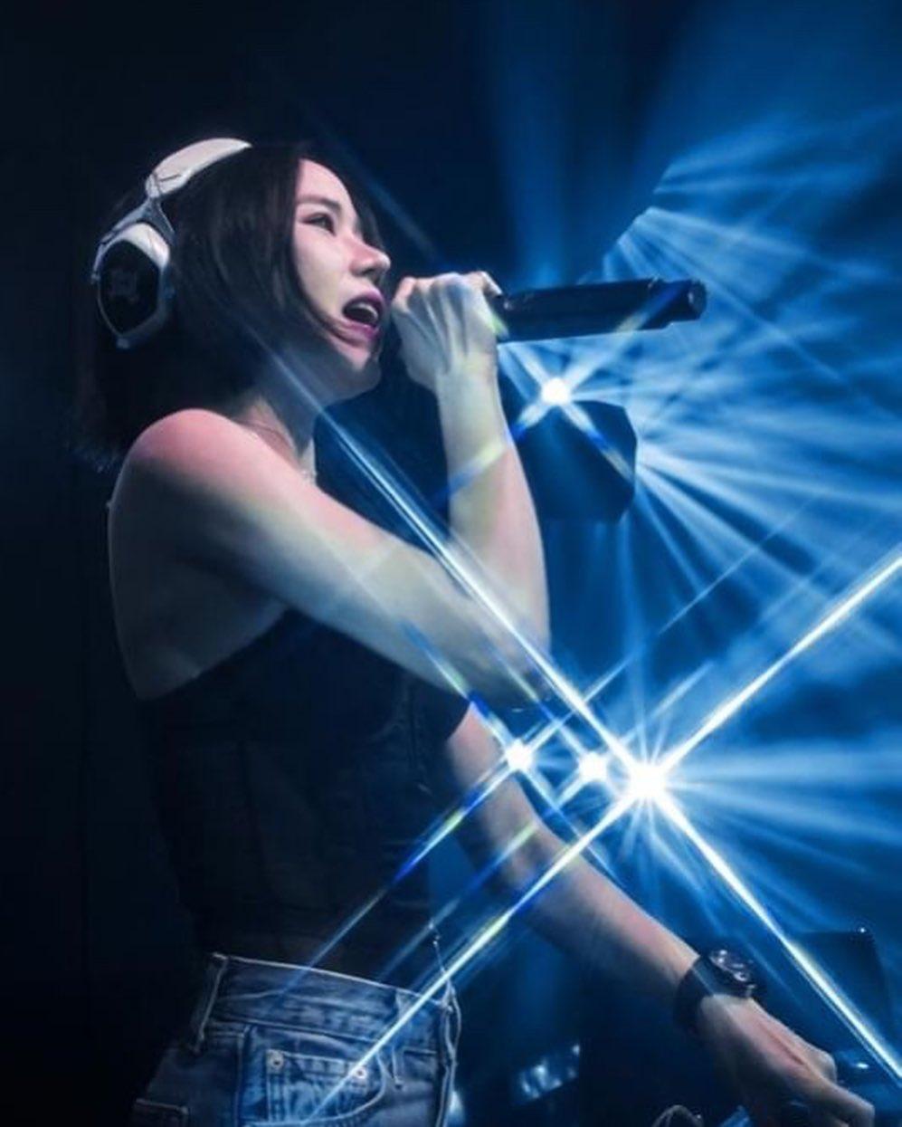 DJ Roxy June, DJ Sexy Asal Negeri Gajah