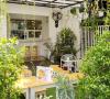 Kopitia Oasis, Cafe di Tepian Jalan Tol