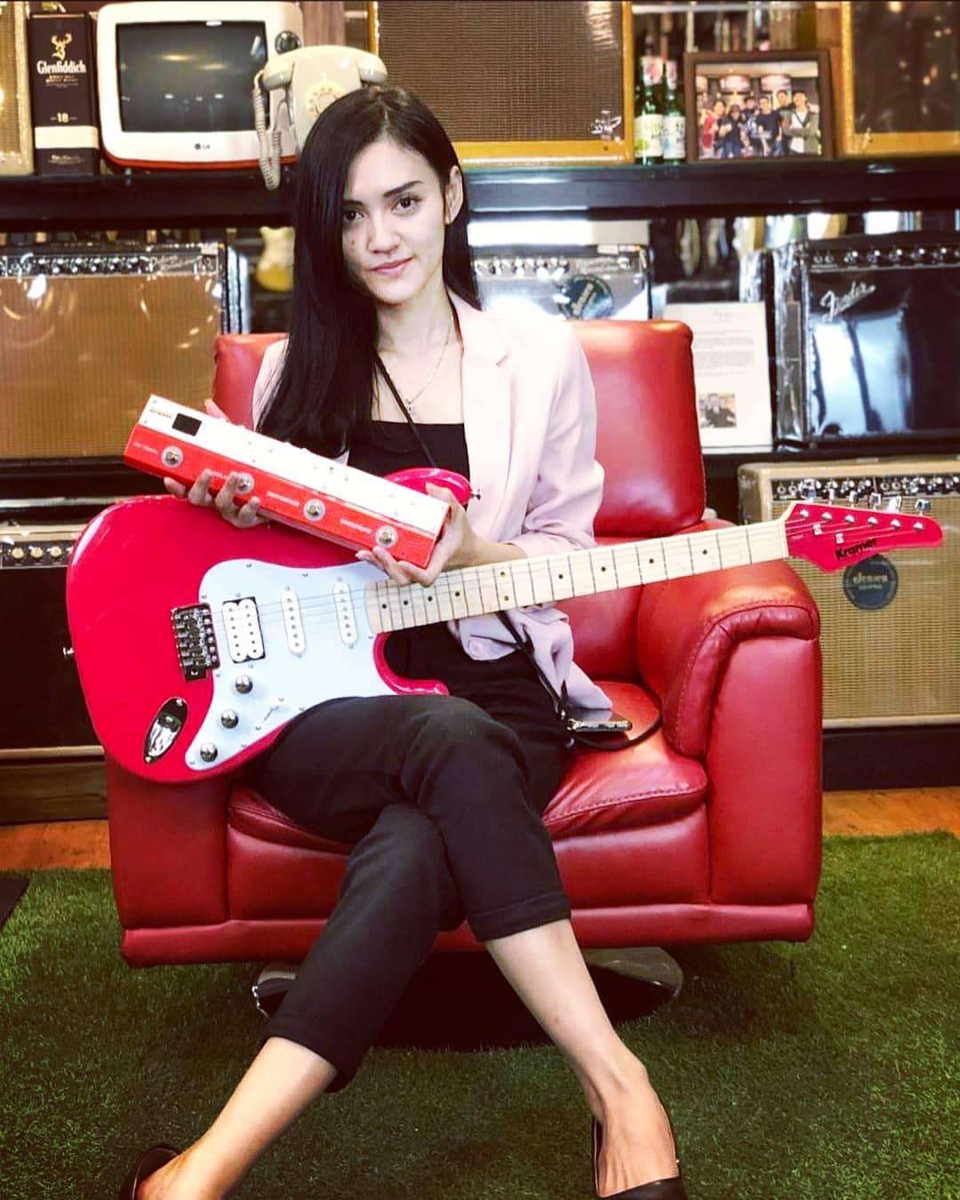 DJ Putri Lanna, Entertainer Sekaligus Entrepreneur