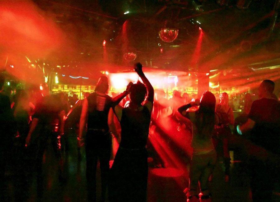 Melihat Industri Hiburan Malam dari Berbagai Sisi