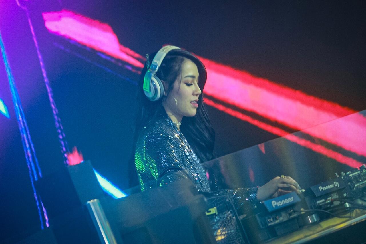 Beni Mega Saputri, Pengusaha Cantik yang Juga Seorang DJ