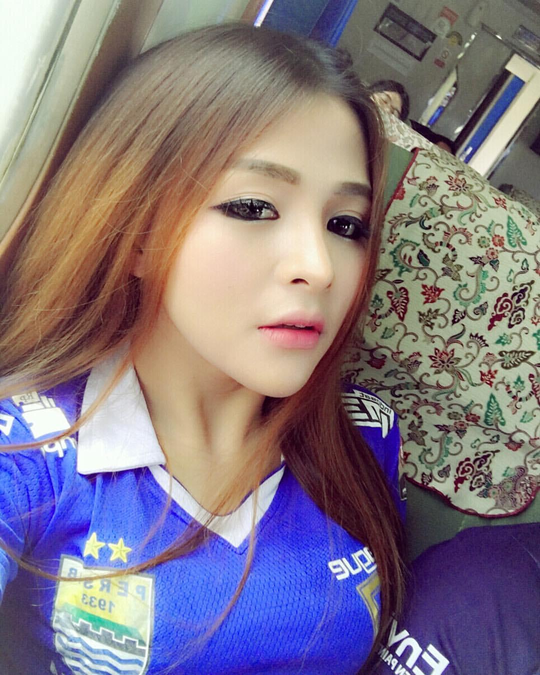 Gallery Foto dan Profile Model Sexy Thya Sethya