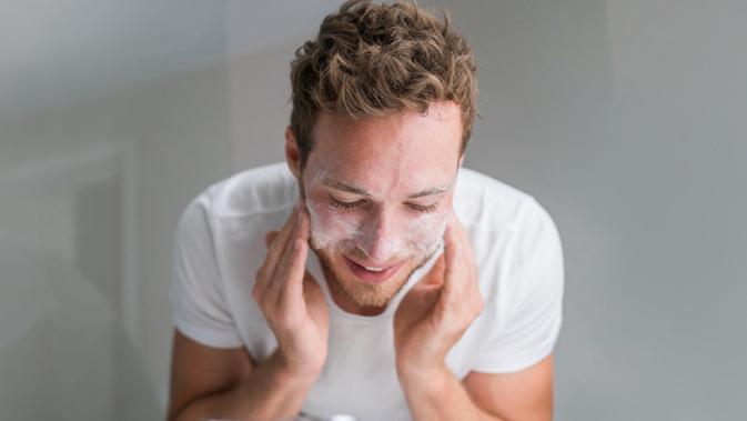 Ingin Wajah Ganteng? Ini 4 Cara Cuci Muka yang Benar Untuk Pria