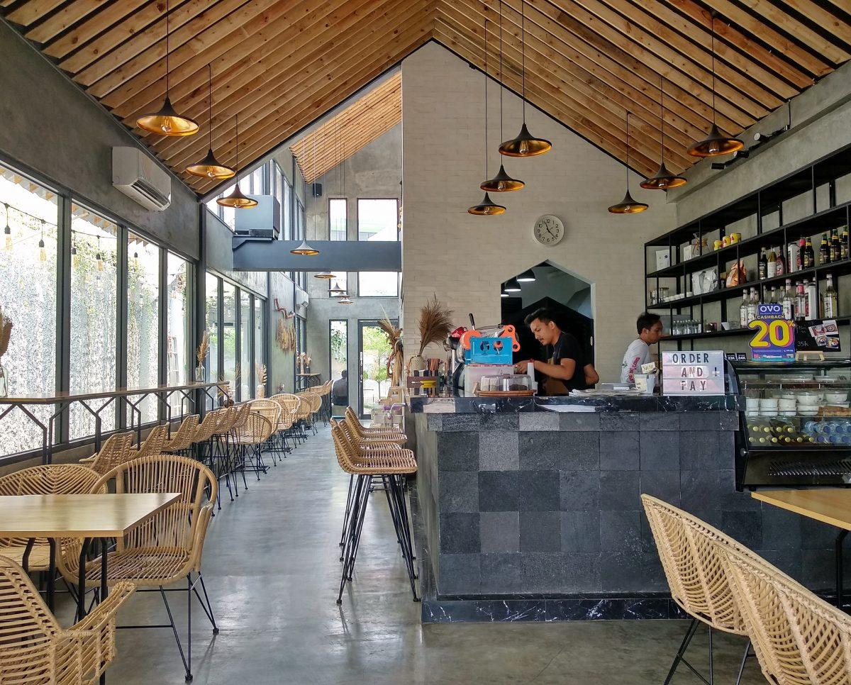 Ngopi di Hakuna Matata, Coffee Shop dengan Ruang Mezanin