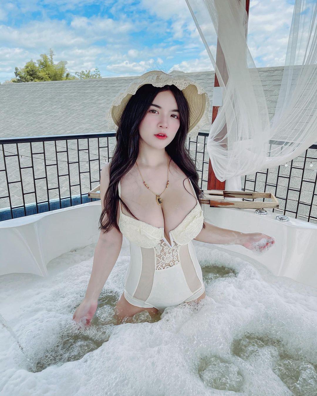 Wanvisa Yodprasart, Selebgram Thailand dengan Payudara Jumbo