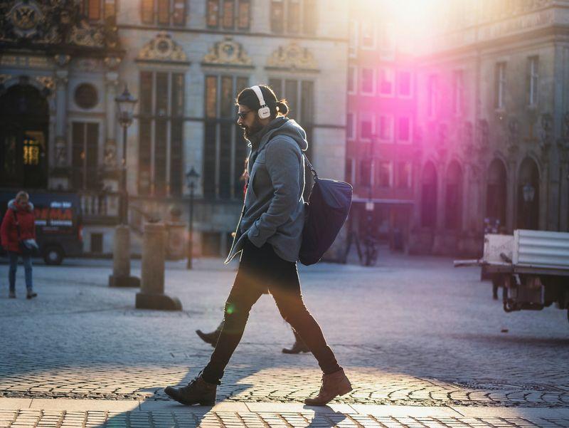 Ini Manfaat Penting Berjalan Kaki Setiap Hari Saat New Normal
