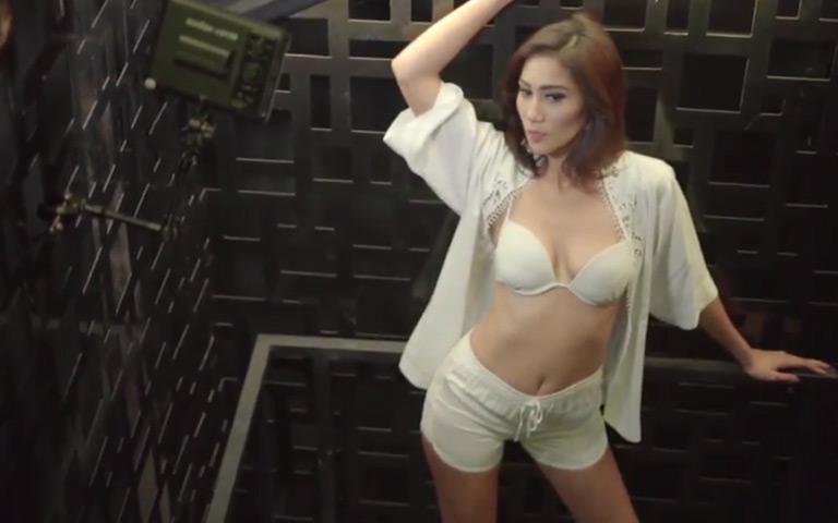 Profil Model Theresia Juniati, Si Cantik yang Juga Smart