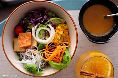 Nongkrong Nyaman Sambil Menikmati Makanan Jepang Fusion Di Gyoza Bar Tribeca