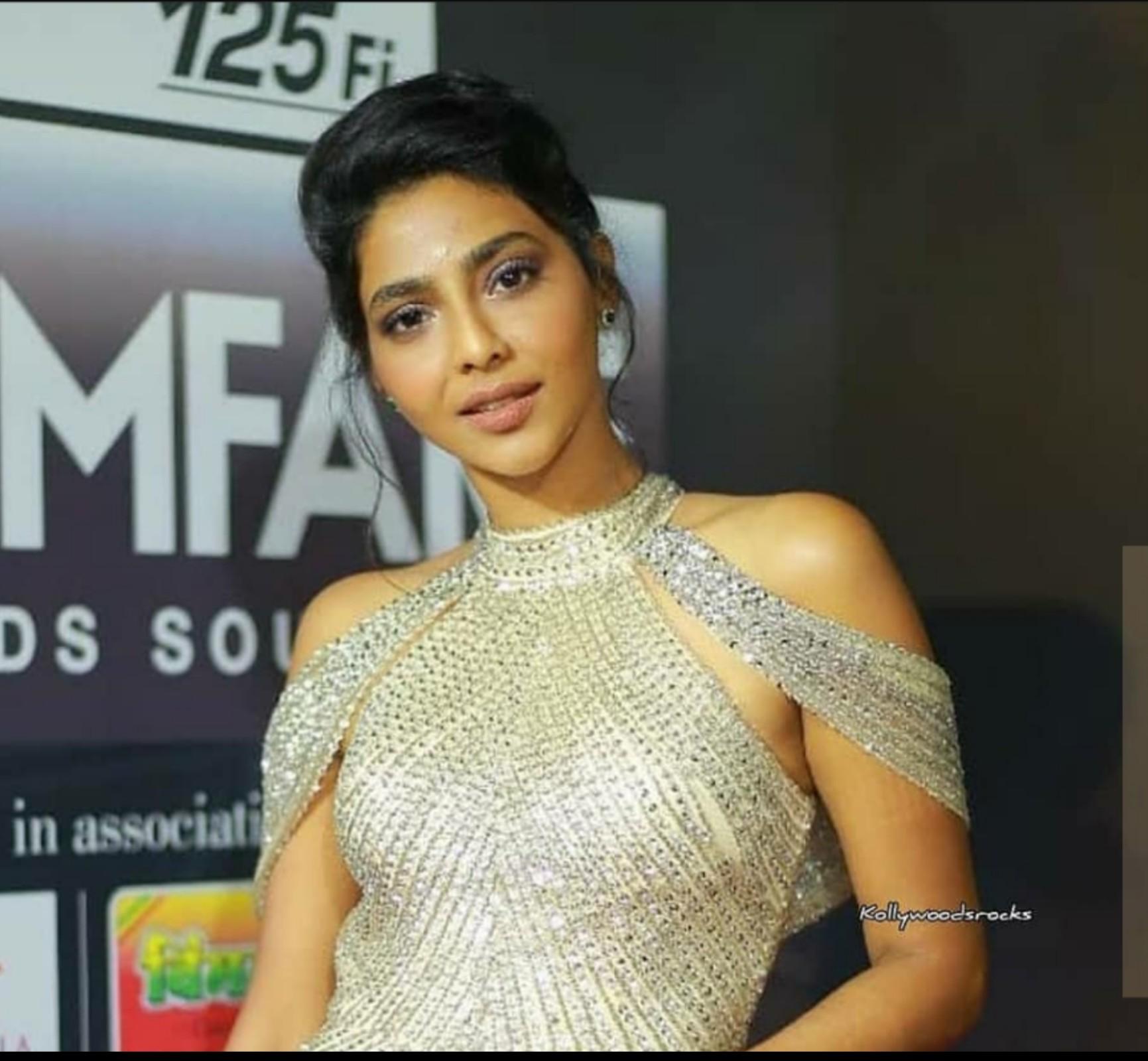Model Aishwarya Lekshmi yang Sukses di Dunia Hiburan