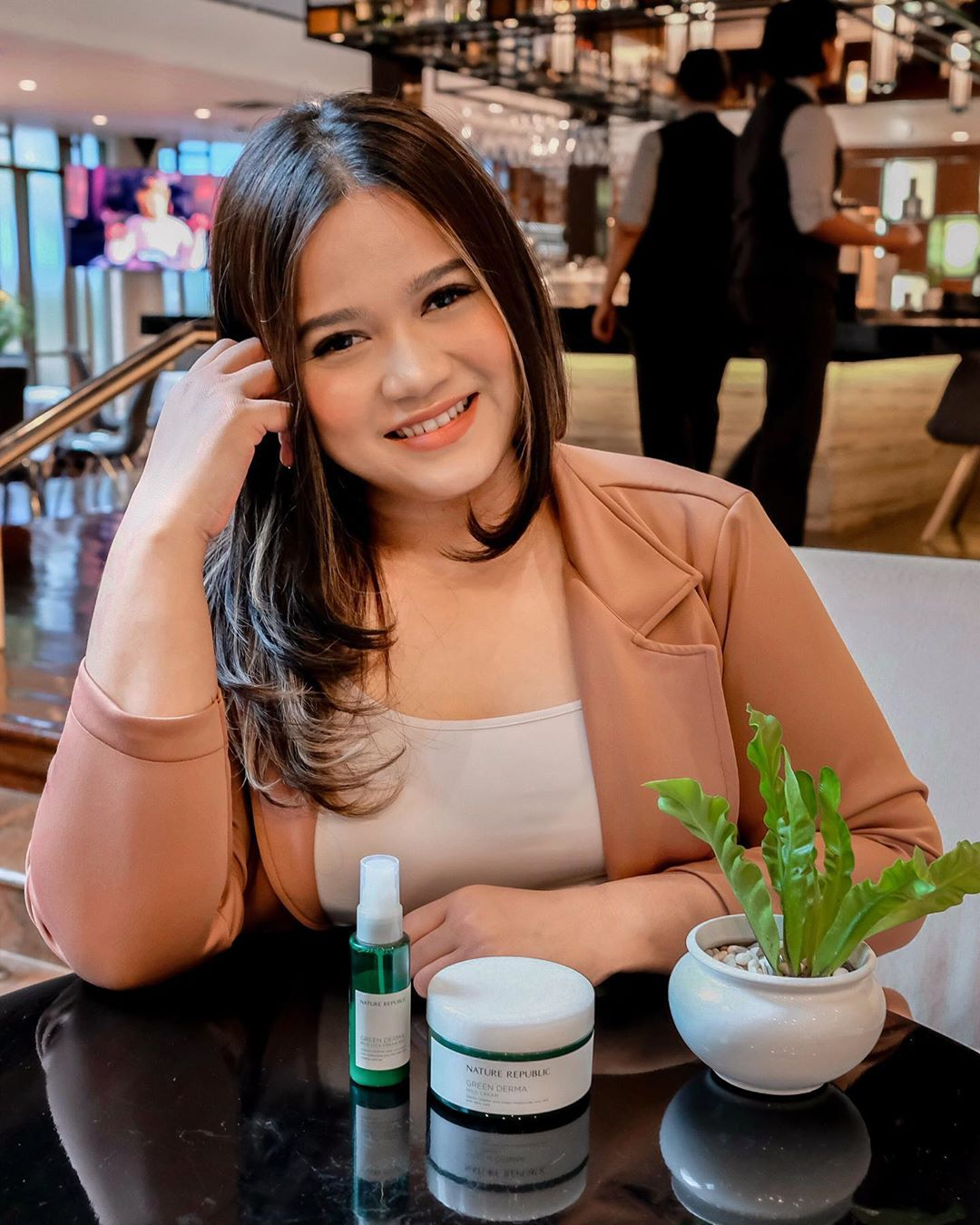 Kania Dachlan, dari Blogger ke Beauty Influencer
