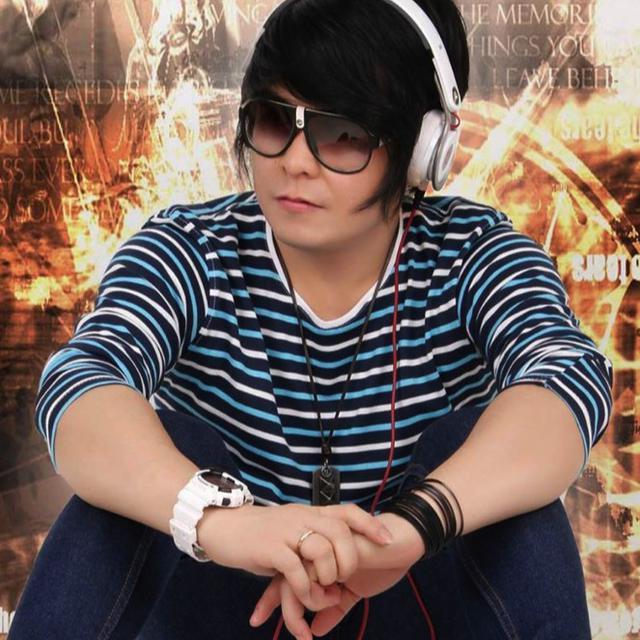 Frans Randi, Male DJ Berbakat Asal Bengkulu
