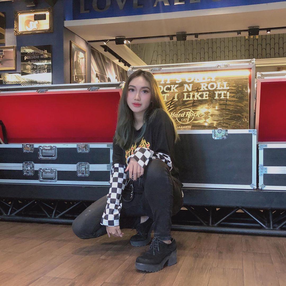 Diva Aura, Influencer yang Aktif Berkegiatan Sosial