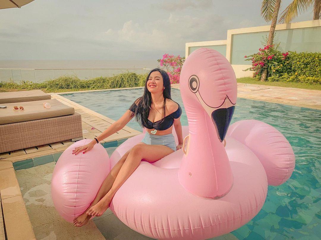 Lebih Dekat dengan Asmara Safira, Model Berparas Seksi