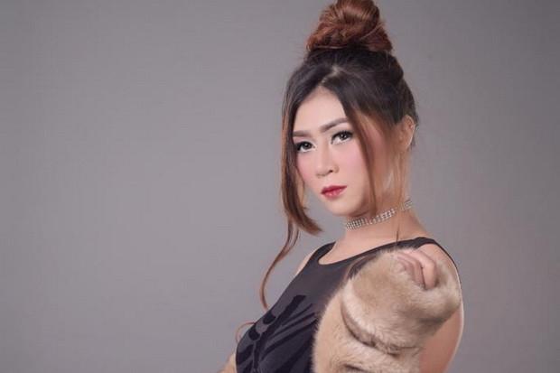 Sepak Terjang DJ Dewi Widia di Industri Hiburan Tanah Air