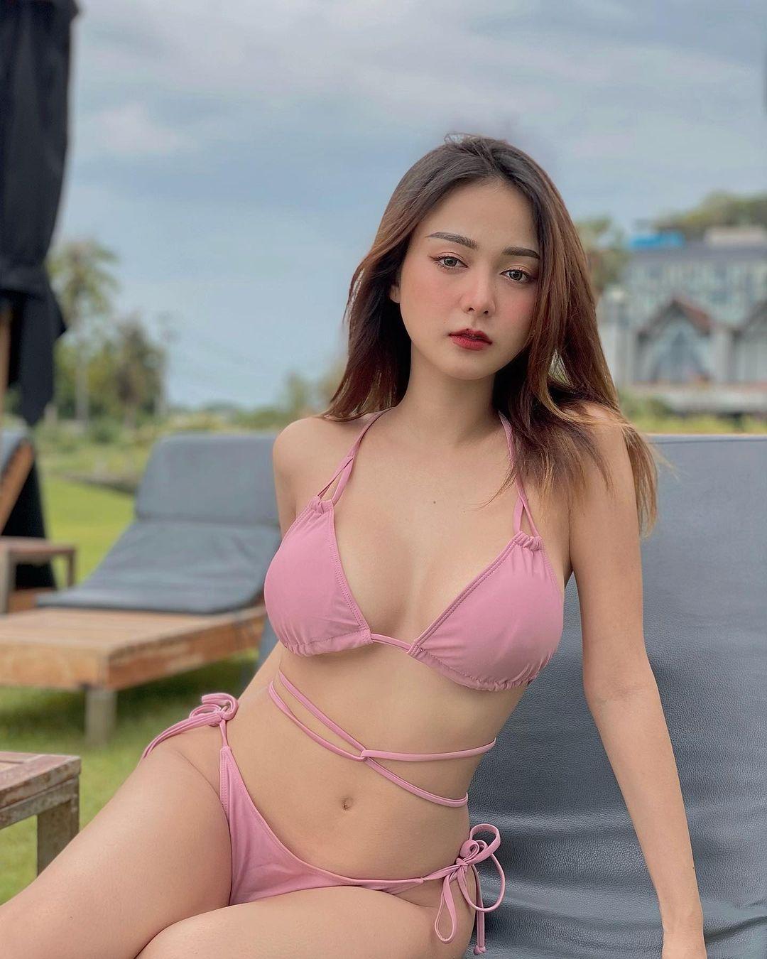 Ponsawan Phusua, Aktris Cantik dan Seksi dari Thailand