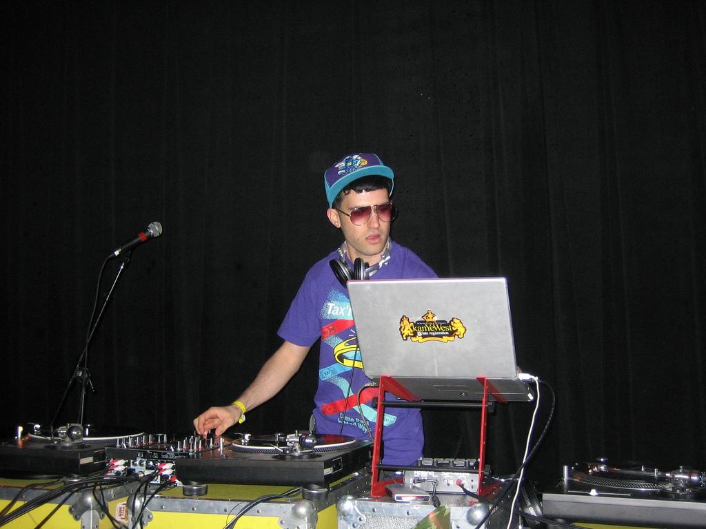 Alain Malkovitch aka DJ A-Trax, Si Pemilik Fool's Gold