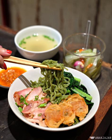Menikmati Berbagai Olahan Bakmi Di Restoran Chopstix Kemang