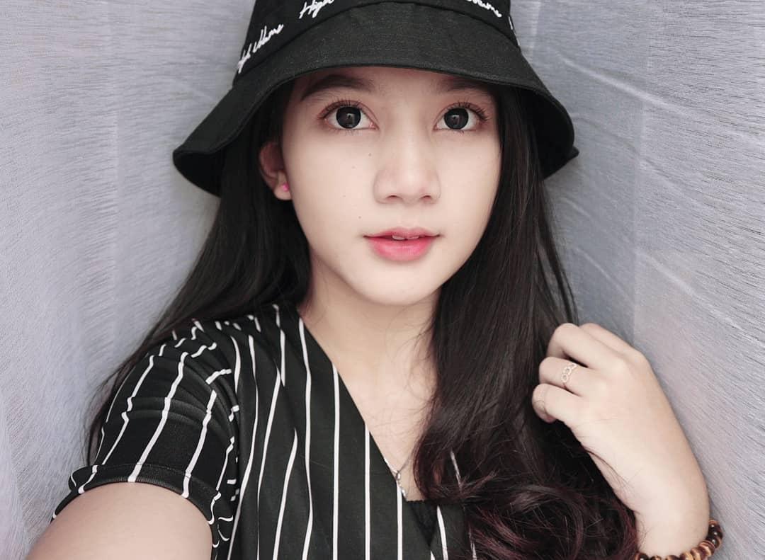 Potret Cantik Lidiawaty, Sang Youtuber Gaming