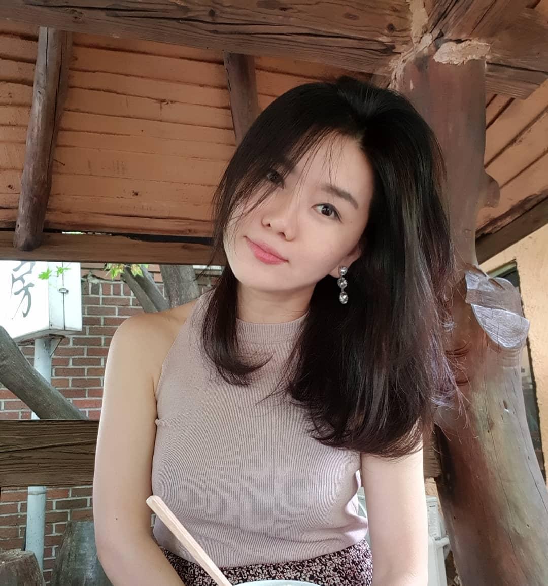 Ini Daftar Para Artis Korea Utara yang Sukses Hadi YouTuber Hingga Aktivis