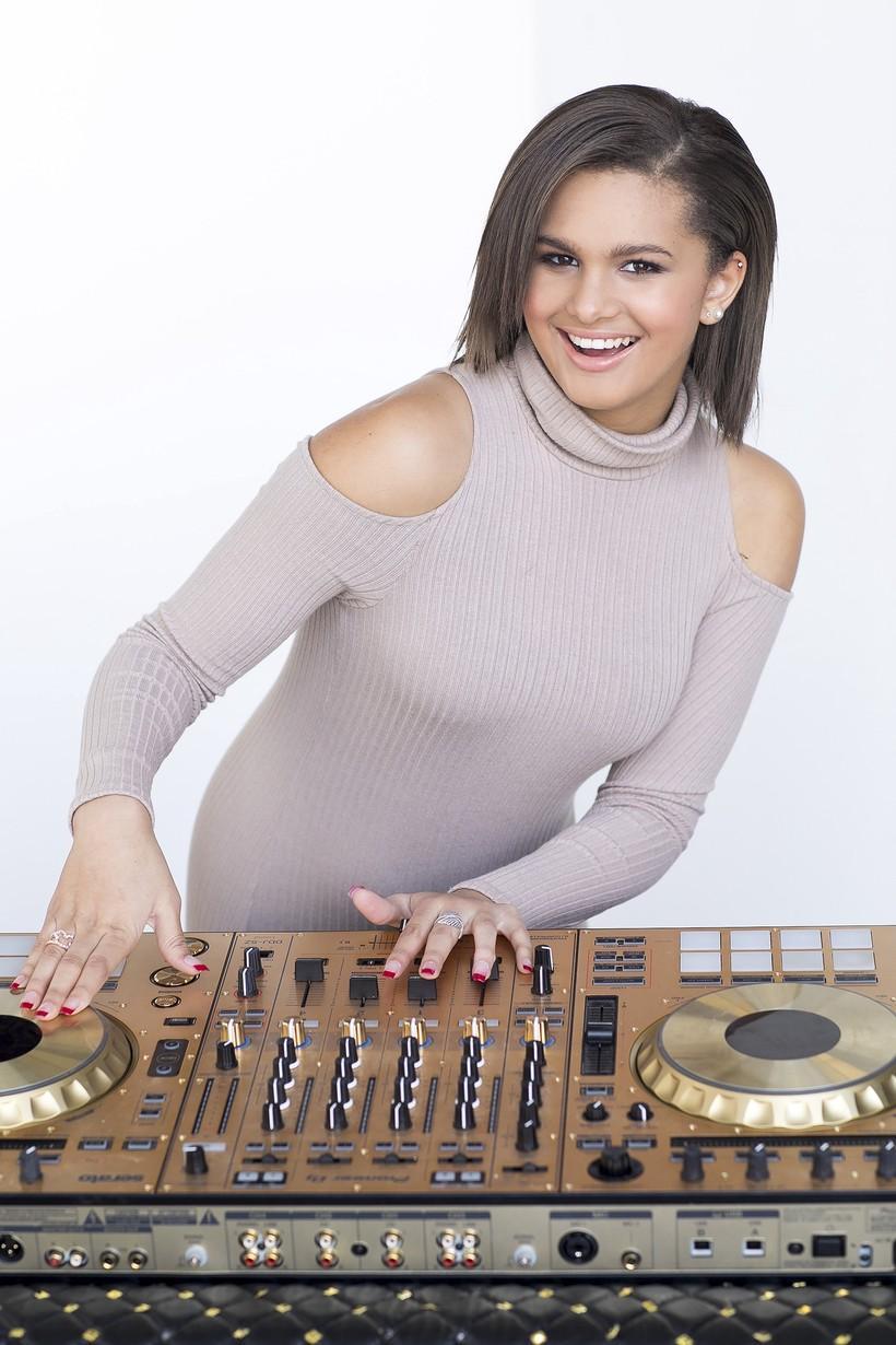 Rapper dan DJ Seksi Lela Brown