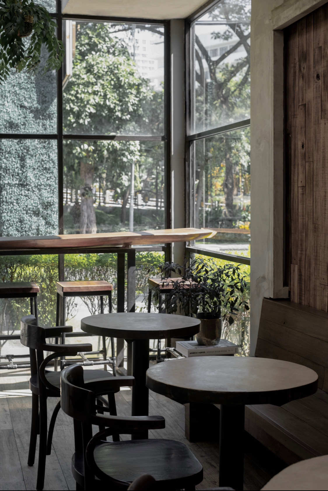 Menikmati Suasana Nyaman di Calibre Coffee Roasters Surabaya