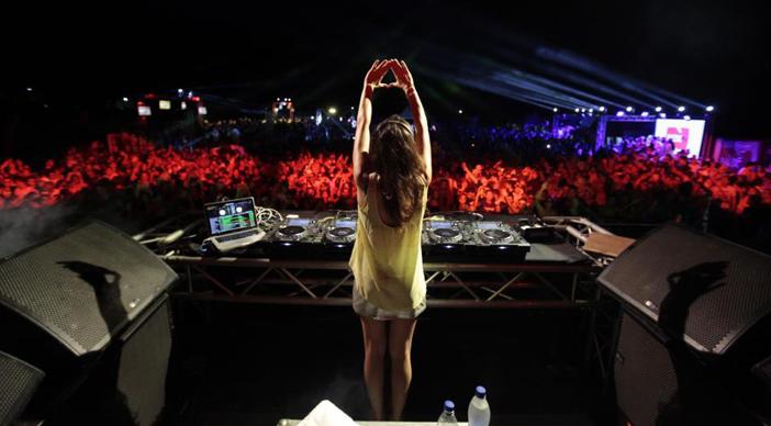 DJ April, Female DJ yang Mencintai Keluarga