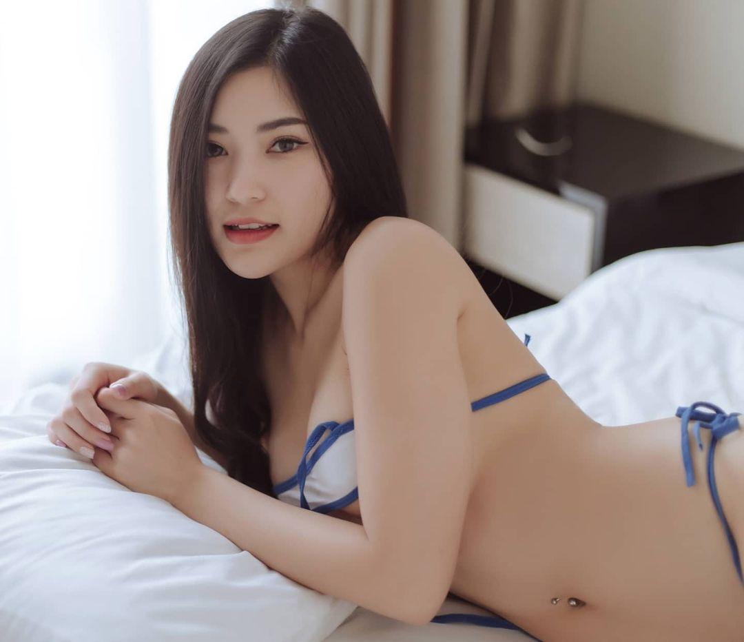 Namfar Warekun, Model Bikini Seksi Asal Thailand