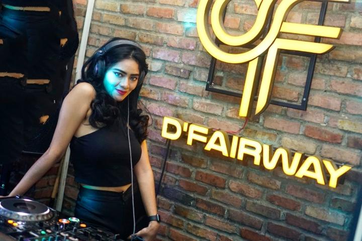 DJ Desh, Female DJ yang Tampil di Depan Narapidana