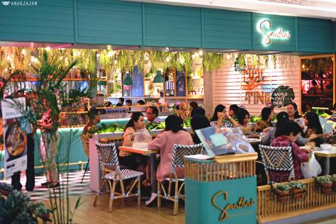 Menikmati Makanan Modern Thailand Dengan Penampilan Unik Di Santhai Kota Kasablanka