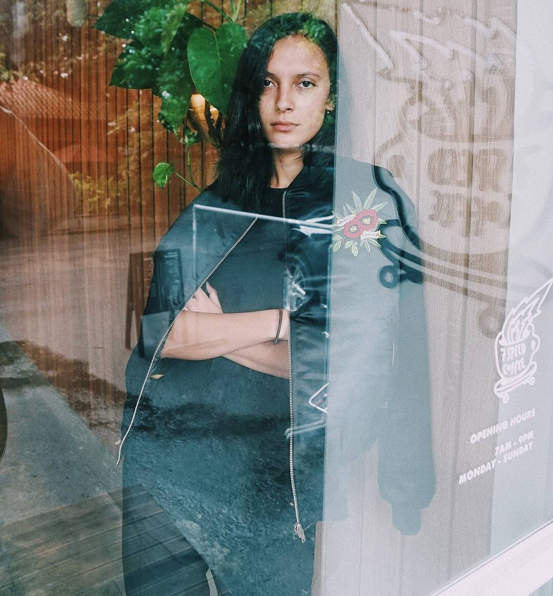 Profil Model Widika Sidmore, Model Indonesia Berwajah Bule