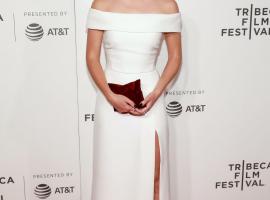 6 Bintang Cantik Hollywood dengan Gaya Elegan