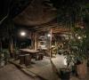 Konsep Seperti di dalam Hutan, Inilah Kafe Gartenhaus di Malang