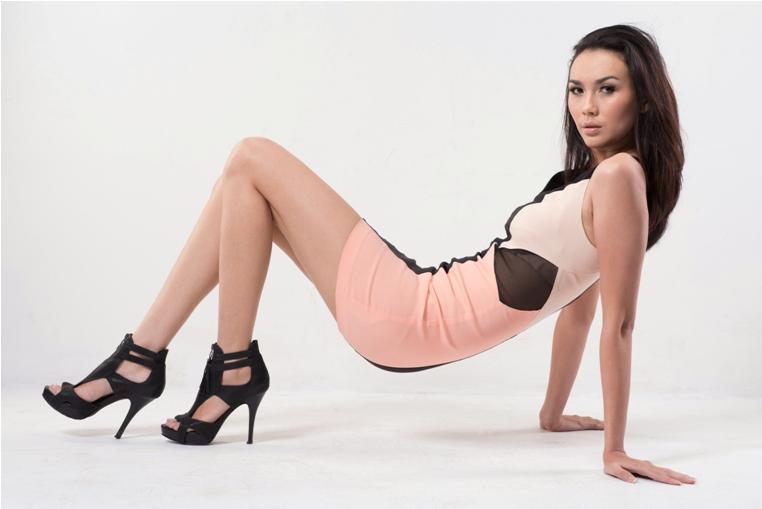 Christina Borries, Model Menawan yang Bertubuh Aduhai