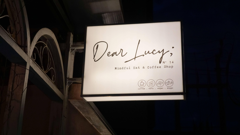 Dear Lucy Cafe Legian, Berburu Foto Instagramable di Dog Cafe