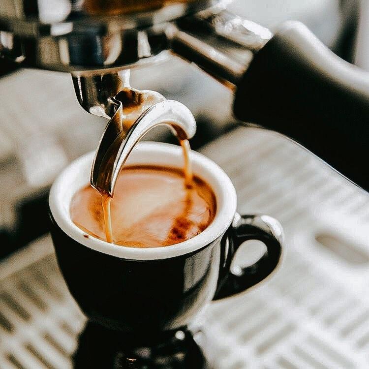 Menikmati Kopi Tanpa Fasilitas Wi-Fi di BC Street Coffee