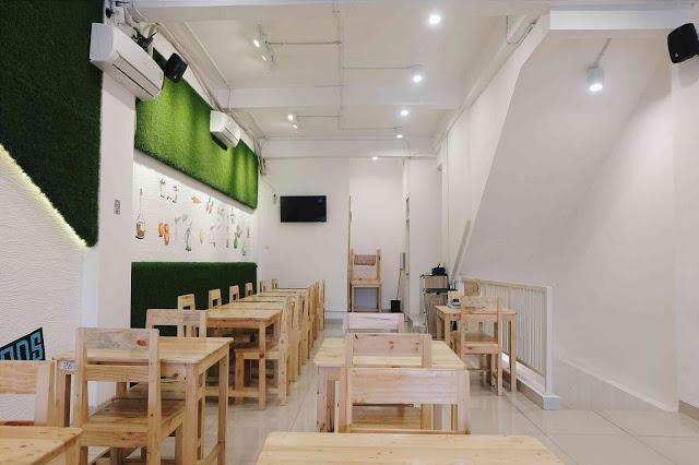 Mencoba Makanan Kekinian Di Cafe Meet And Eat Pantai Indah Kapuk