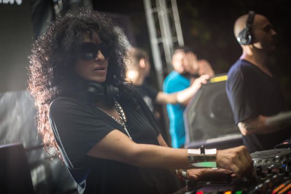 Profile DJ Nicole Moudaber, DJ dan Aktivis yang Menyuarakan Ketidakadilan