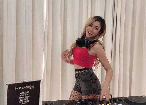 DJ Mia Felix, Female DJ yang Cantik dan Elegan