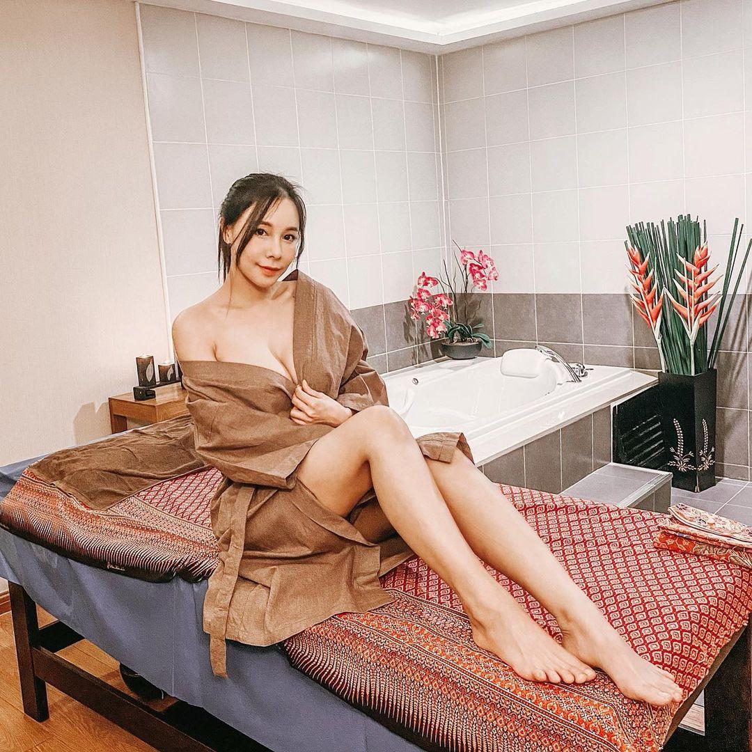 Sky Kikijung, Model Dewasa Asal Thailand